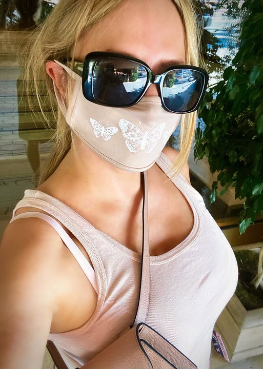 Back to doing in person business at my favorite LA HQ for a power lunch in a brutal heatwave. Mask on, temperature check, I'm almost there without bei…