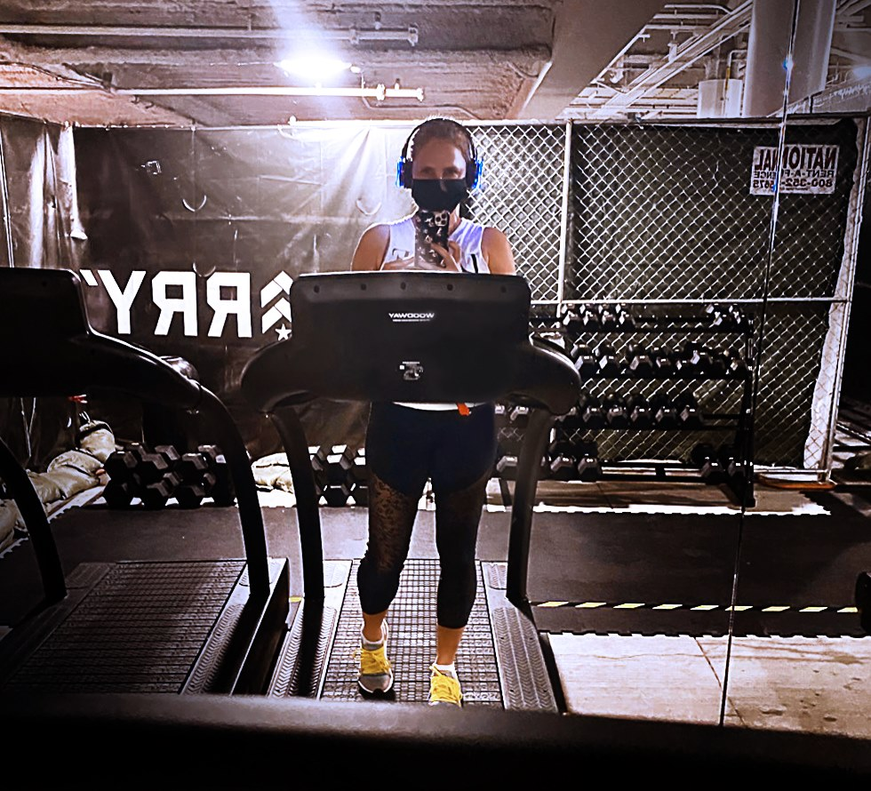 Quick workout in the garage (!) of the Beverly Center shopping mall (!!) in Los Angeles, right before setting off on a whirlwind trip of a few days to…